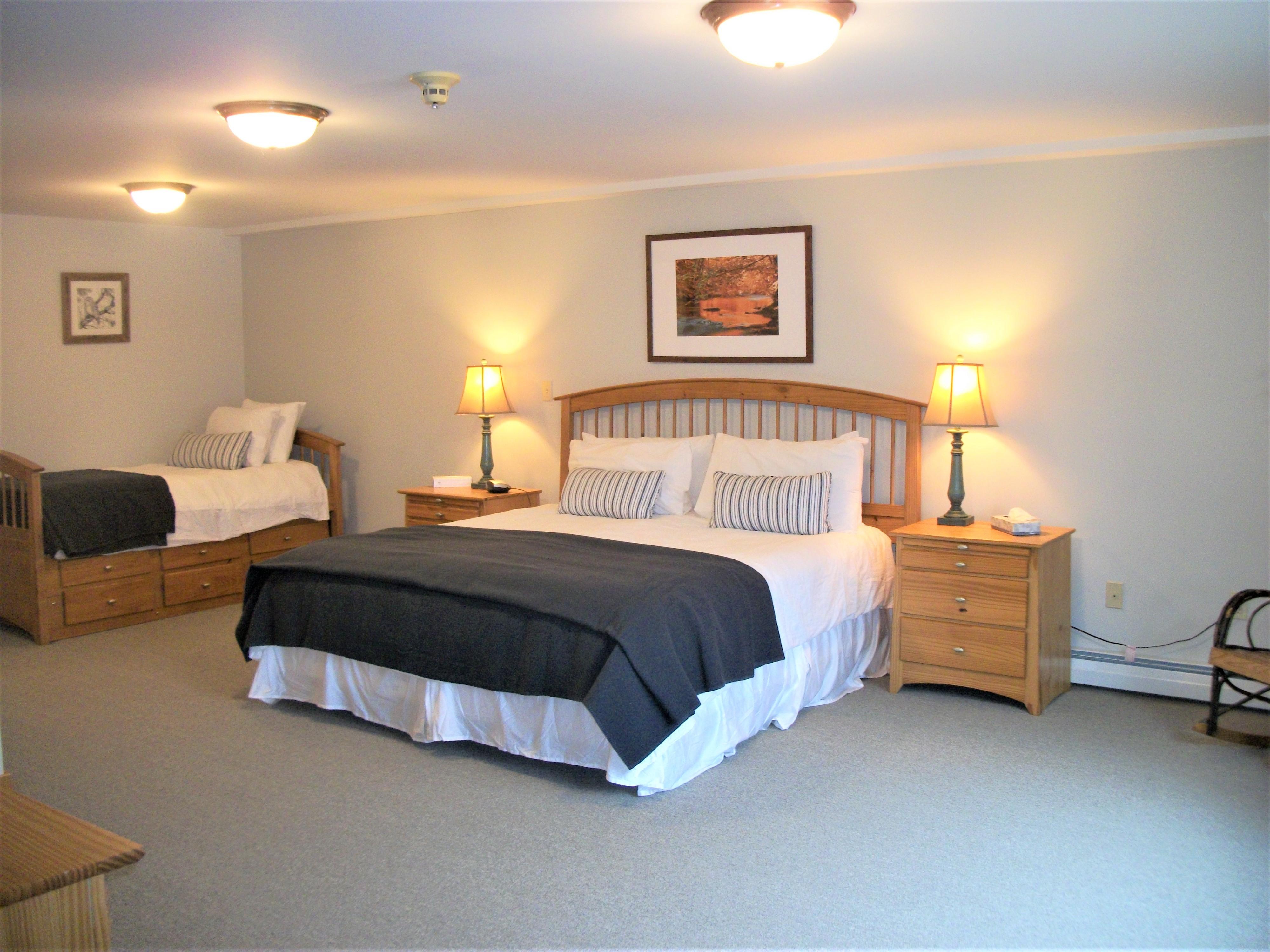 Birches Room 25 Garnet Hill Lodge