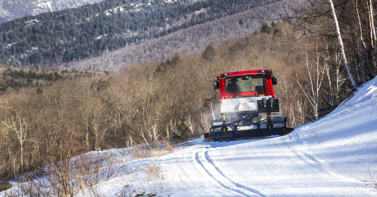 vehicle grooming ski trails